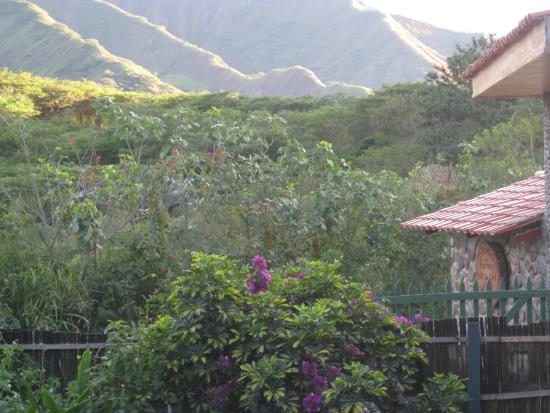 Madre Tierra Resort & Spa: Looking out at the base of Mandango