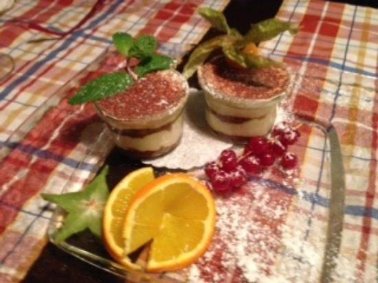 Aubergine Restaurant: Tirimisu dessert