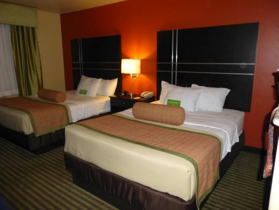 La Quinta Inn & Suites Tucson - Reid Park : LQ bedroom