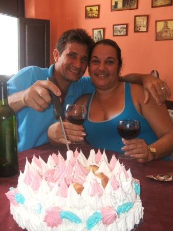 Restaurante El Patio: Our friends having wine!