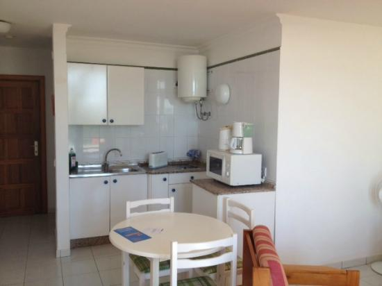 La Penita Apartments: Kitchenette