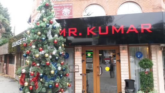 Lounge Bar Mr. Kumar