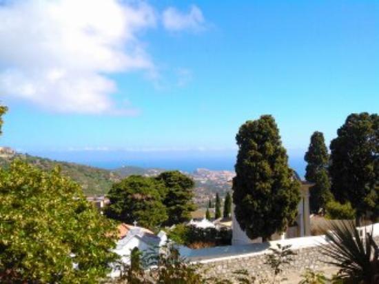 Hotel La Santa : vue village