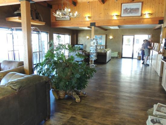 Brandin' Iron Inn: Hall de réception