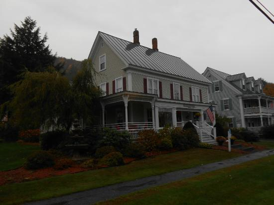Huntington House Inn: Front view