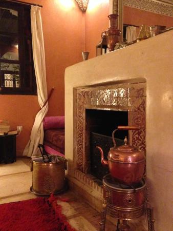 Dar el Souk: Sitting room fireplace