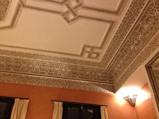 Dar el Souk: Sitting room ceiling