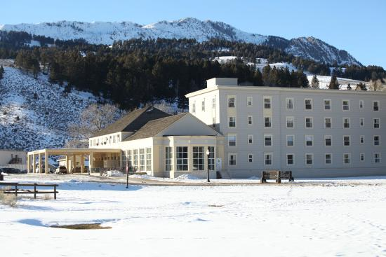 Minerva terrace in winter picture of mammoth hot for Mammoth hot springs hotel cabins