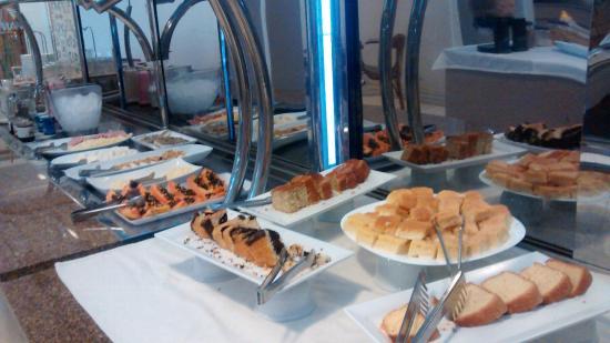 Vivant Suites Hotel : Buffet café manhã