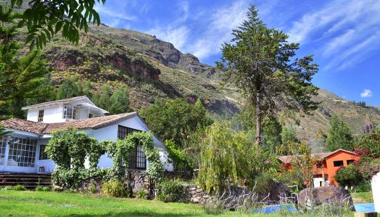 Etnikas Ayahuasca Retreats: Landscape of our retreat centre in Sacred Valley