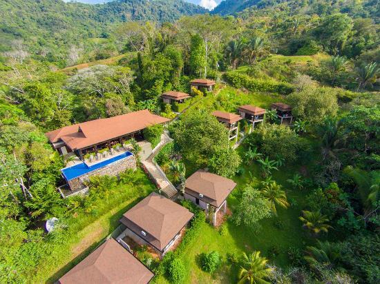 TikiVillas Rainforest Lodge & Spa : TikiVillas Aerial Picture