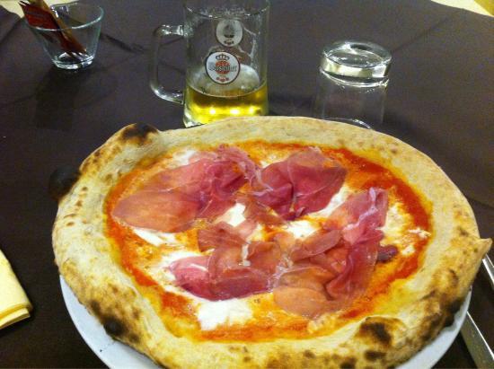 Pizzeria Zerotondo: Pizza bufala con crudo di Parma