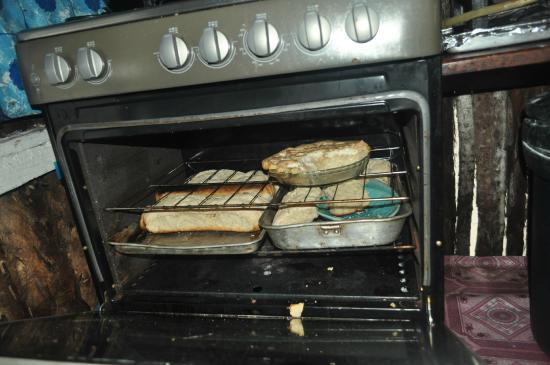 Glover's Atoll Resort: Fresh breads baked 2x/week. Great!