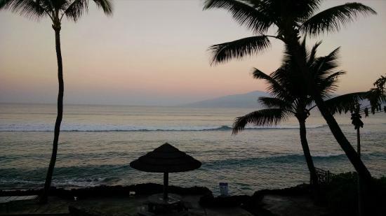 Kaleialoha Condominiums: View from #215, sunrise
