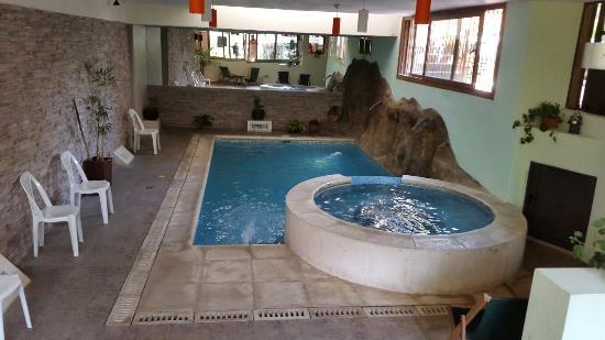Los Espinillos Hotel & Spa: Pileta climatizada  y jacuzzi