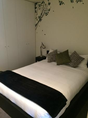 About Melbourne Apartments: Main bedroom