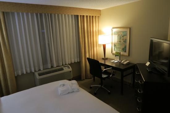 Doubletree by Hilton Hotel Los Angeles - Commerce: Suite