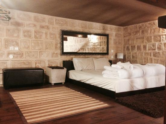 Karo Mansion : Mezzanine bedroom