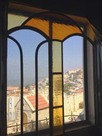 Karo Mansion : Main living area windows