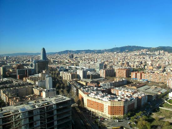 Vue de la chambre ville mer picture of the level at for Chambre barcelona