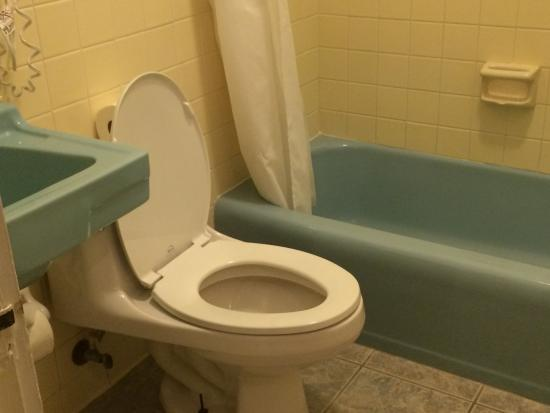 Ponce De Leon Hotel Ugly Room 0616 Bathroom