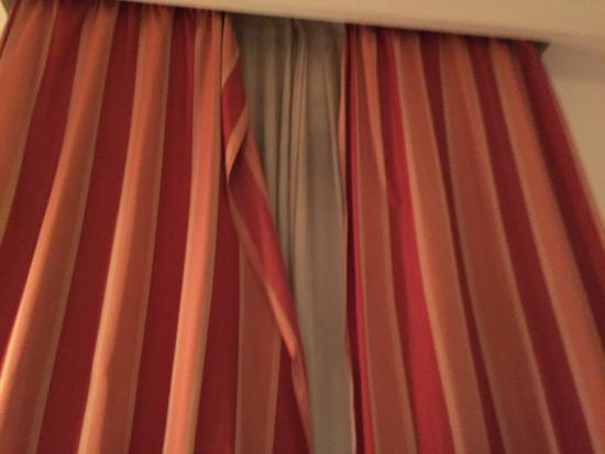 Grand Hotel Milano Malpensa: Vorgang im Zimmer lässt sich nicht schließen