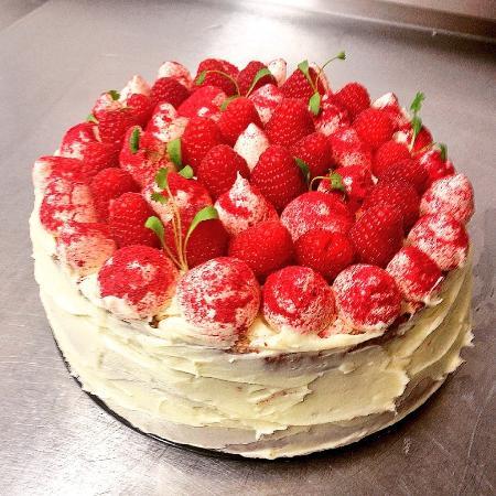 Fifield Inn Tasty Birthday Cake