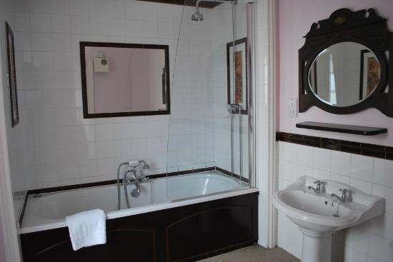 The Bay Hotel: Our bathroom.