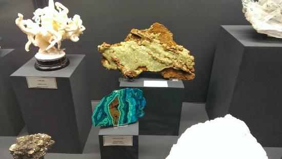 Mineral Museum of Michigan: displays