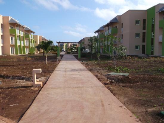 Trotoir picture of melia jardines del rey cayo coco for Jardines del rey cuba