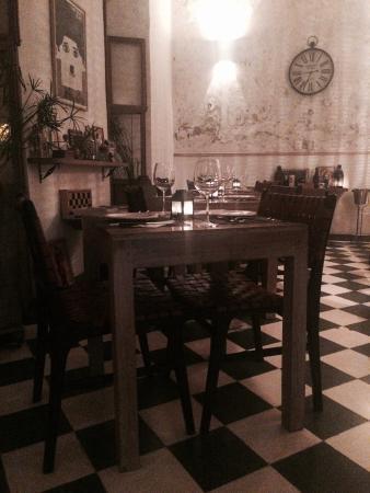 Gaucha Bistro: Me encantaron las mesas