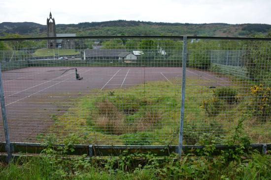 The Cuillins: The overgrown tennis court where we had to park.
