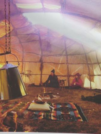 Mitchell Museum of the American Indian : Native American living space