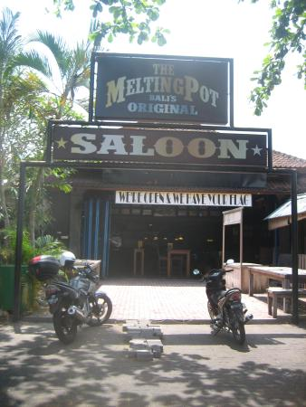 ‪The Melting Pot Saloon‬
