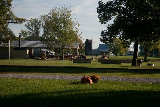 Clarksville, IN : Farm