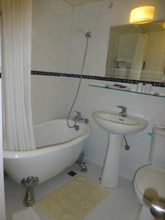 Shin Shih Hotel: バスルーム