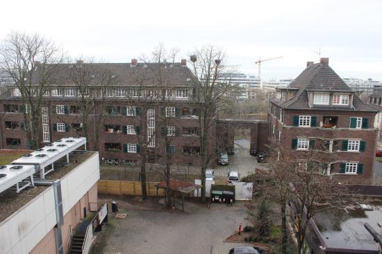 Maritim Konferenzhotel Darmstadt: View from our balcony