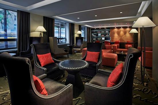 Shelburne NYC–an Affinia hotel: Living Room - Lobby