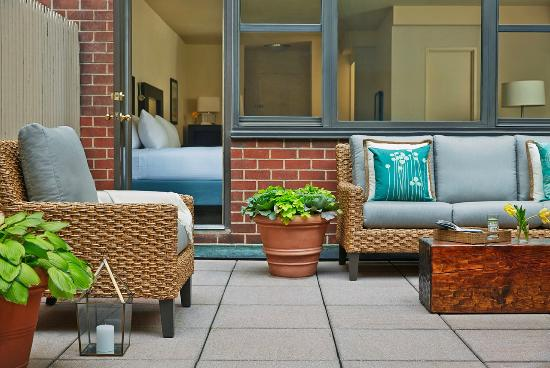 Gardens NYC–an Affinia hotel: Patio Suite
