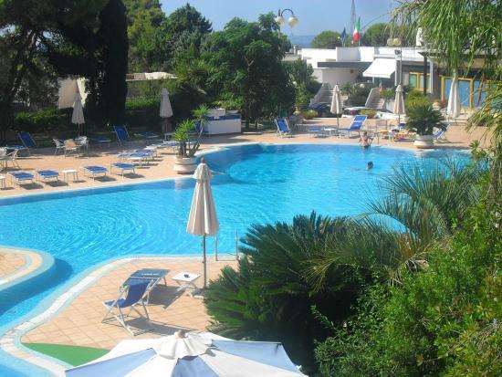 Piscina picture of hotel santa lucia santa cesarea terme tripadvisor - Piscina sulfurea santa cesarea terme ...