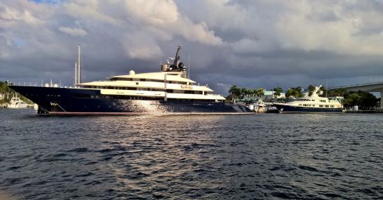 New River: Steven Spielberg's yacht