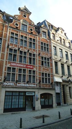 La Madeleine Grand Place Brussels: Front Hotel