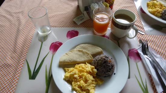 Arenal Oasis Eco Lodge & Wildlife Refuge : Frühstück
