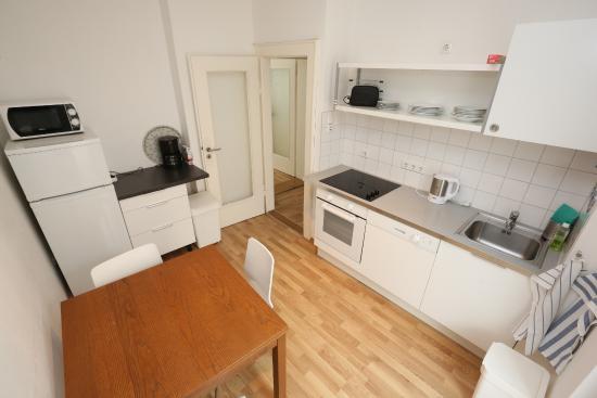 2-zimmer-apartment küche - bild von apartments thommen, nürnberg ... - Apartment Küche