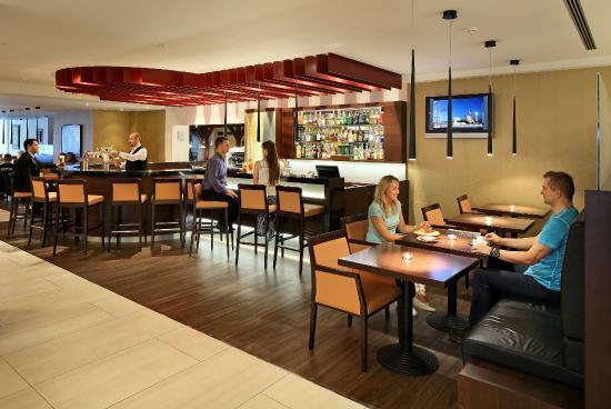 Hotel Duo: Lobby Bar