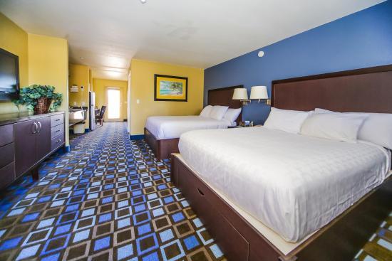 The Nautical Beachfront Resort: Beach Suite