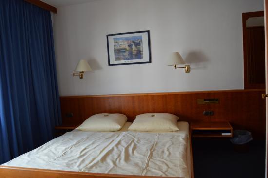 City Hotel: habitación