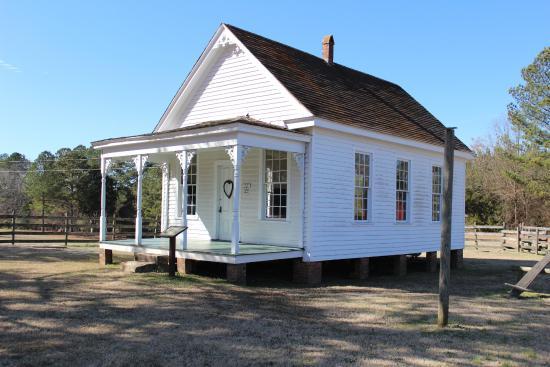 Callaway Plantation: Adorable School House