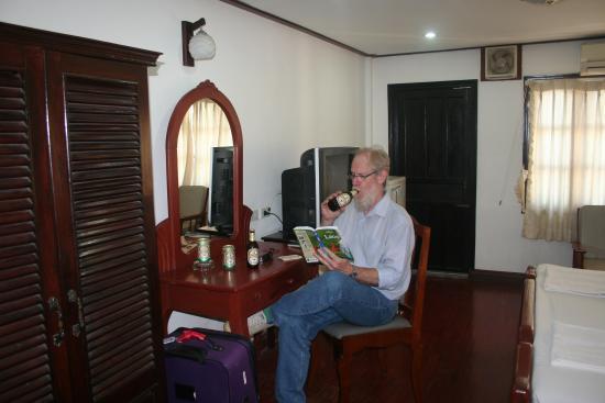 Douang Deuane Hotel: Room 507