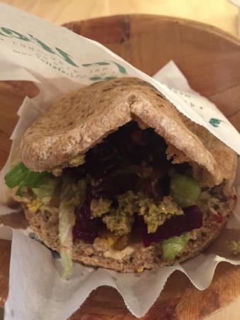 Sabich pain complet - Picture of Falafel Tof, Antwerp ...  Sabich pain com...